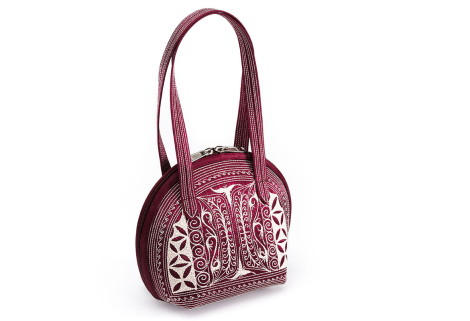 Laga handcrafted vegan handbag free motion embroidered Pagi small