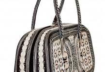 Laga handcrafted vegan handbag free motion embroidered Percaya