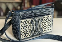 Laga handcrafted embroidered Paspor Medium Cross Body