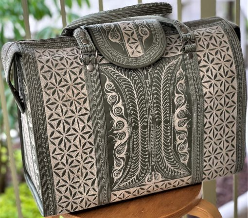 gorgeous travel bag